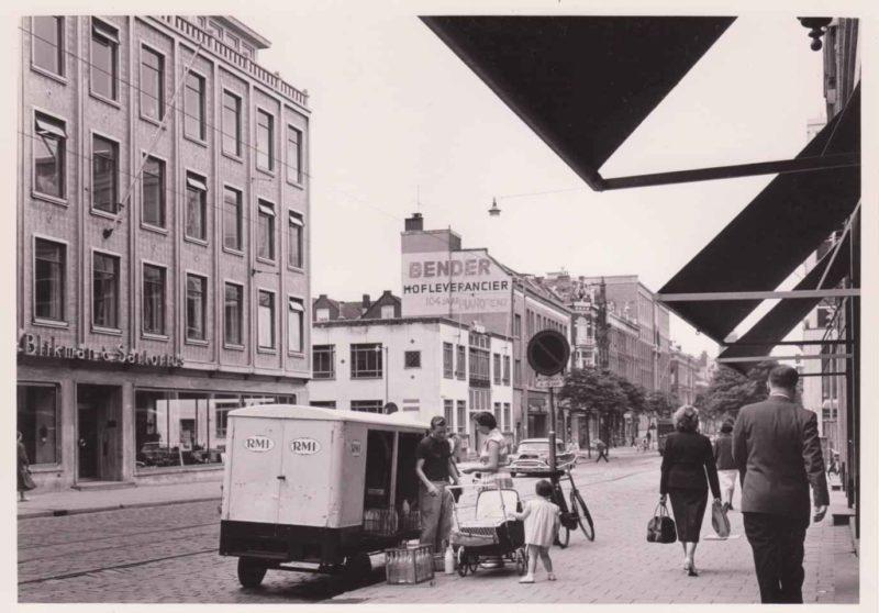 Witte de Withstraat - straatbeeld bij Blikman en Sartorius (CW0778)