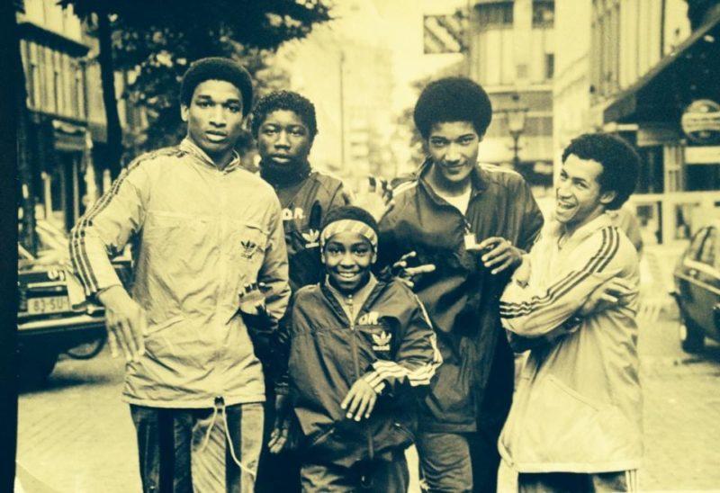 Dynamic Rockers rocken de straten in een dope Adidas outfit.